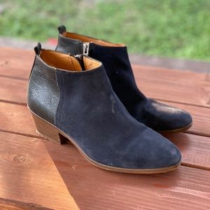 Madewell leather / suede navy ankle boots